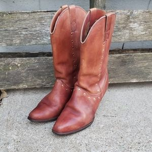 Adorable Vintage Kinney Brown Leather Boots